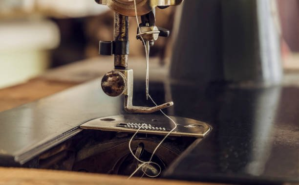 how a sewing machine works step by step